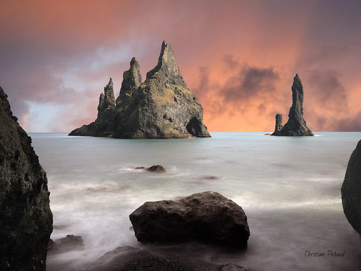 Défier les dieux ... (Reynisdranger-Islande)