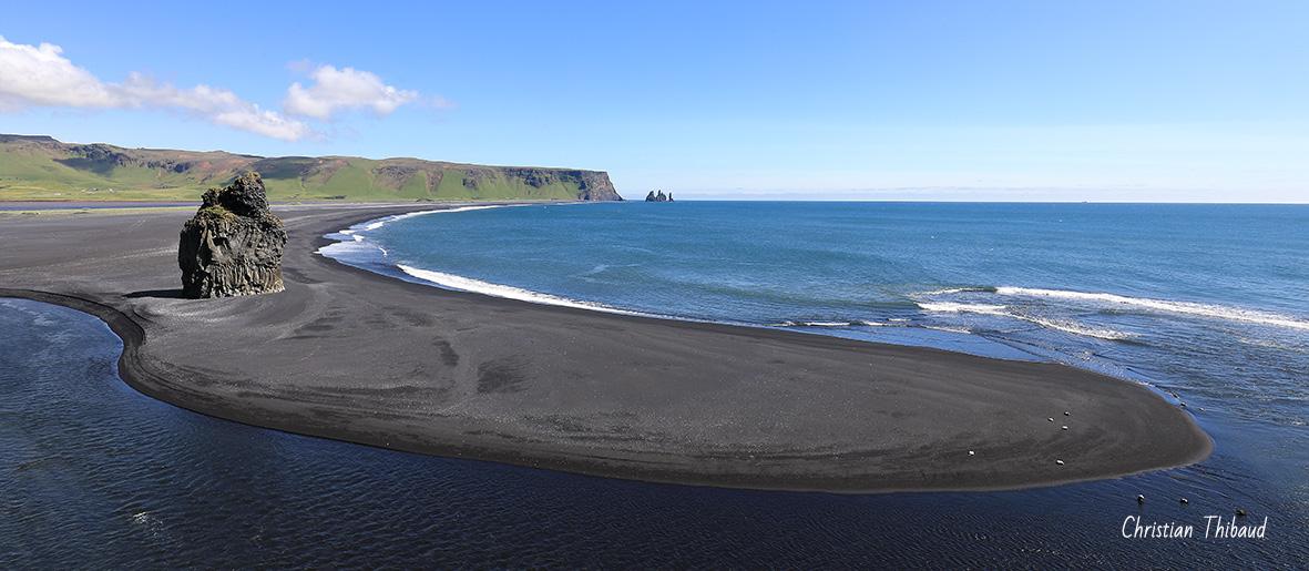 De bleu et de noir, s'abandonner ... (Cap Dyrholaey-Vik)