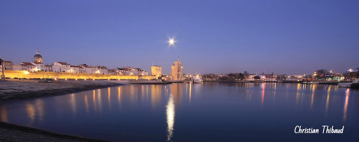 Nuit bleue sur La Rochelle ...